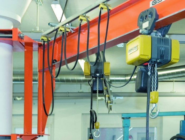 Wall mounted slewing jib crane with GIS chain hoist