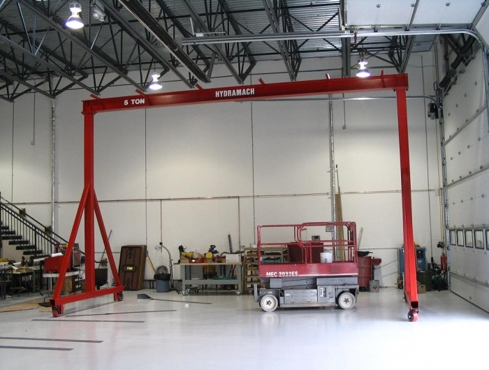 A-Frame gantry with casters and GIS chain hoist